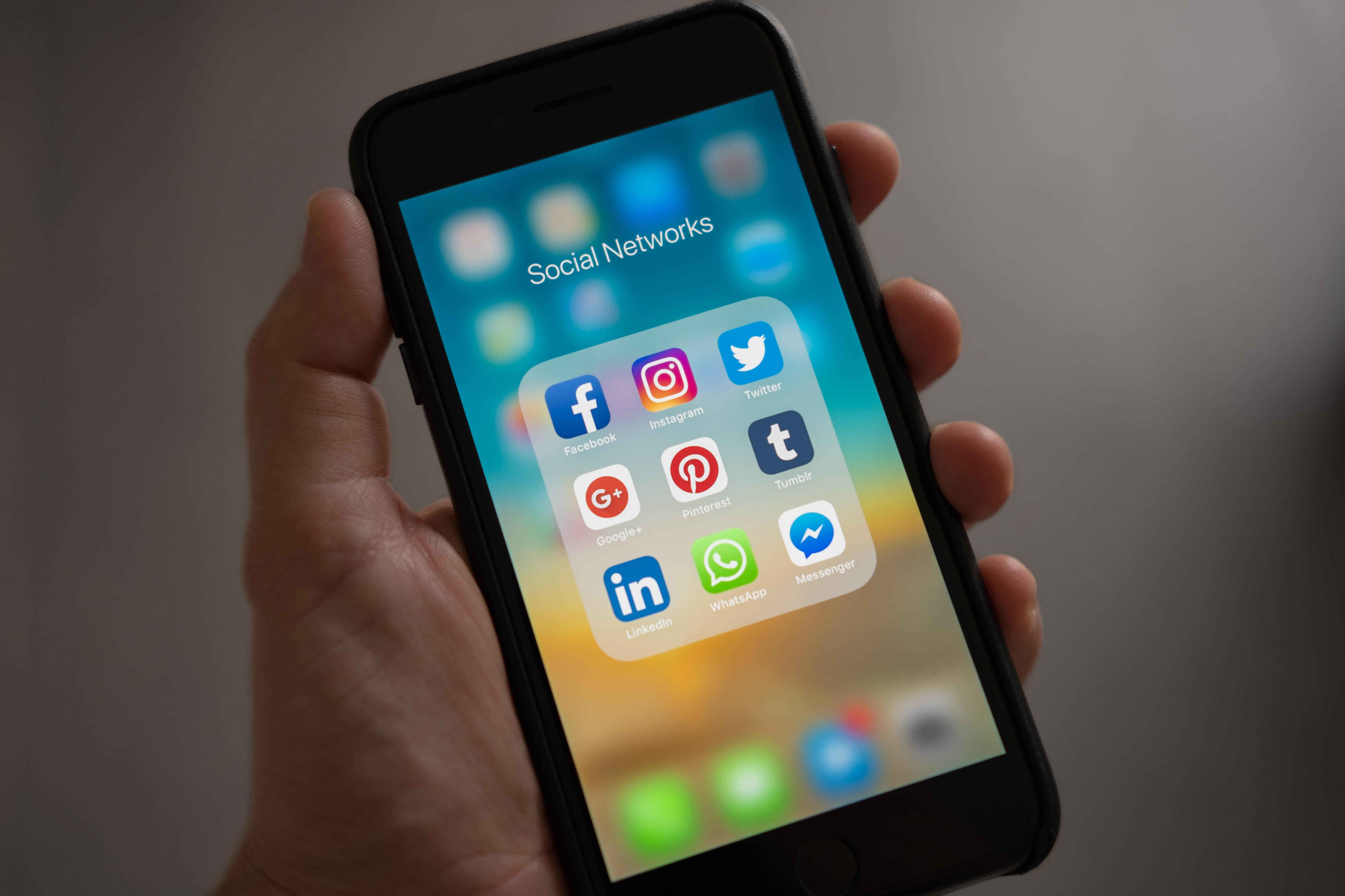 apple-applications-apps-607812 Got web presence? Why you need it